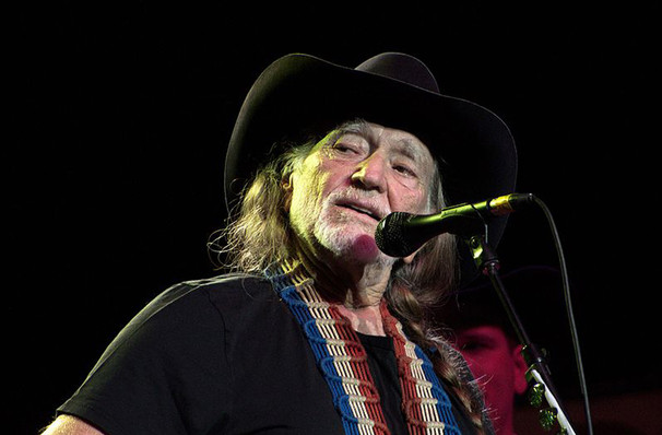 Willie Nelson, Wagner Noel Performing Arts Center, Midland